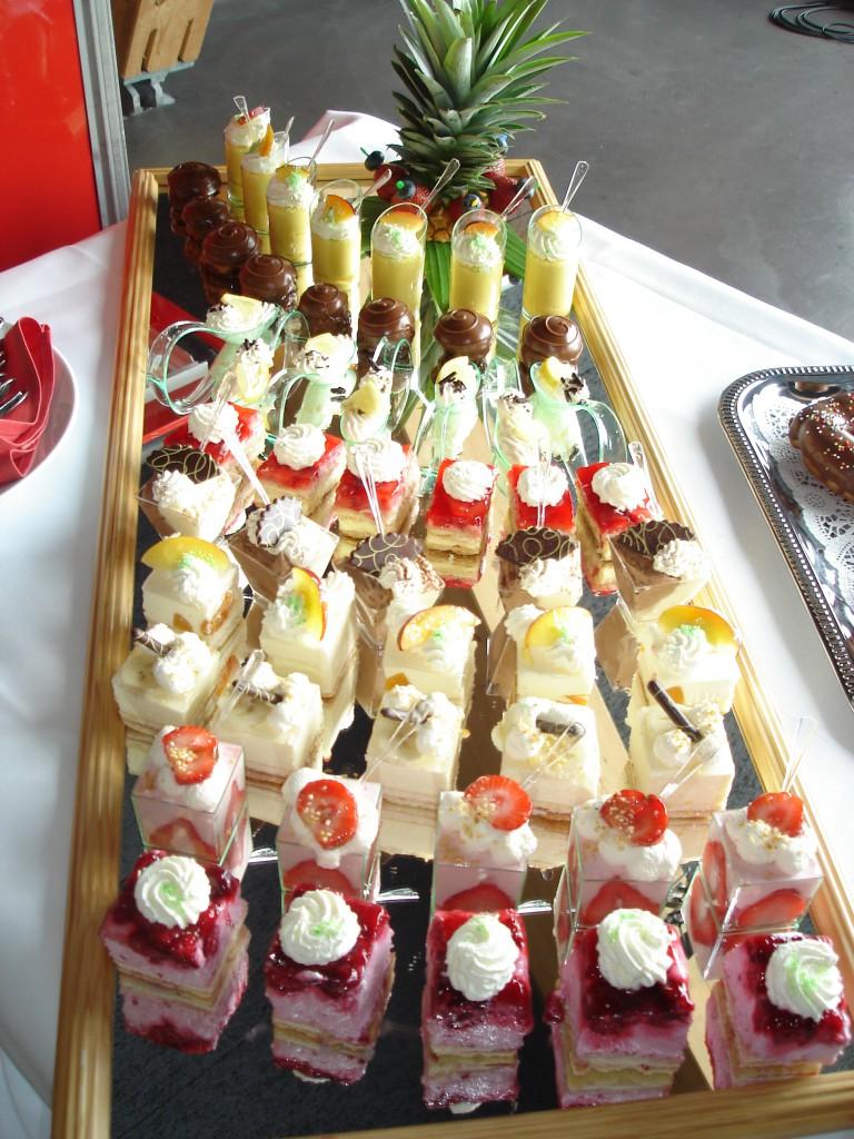 diverse Desserthäppchen