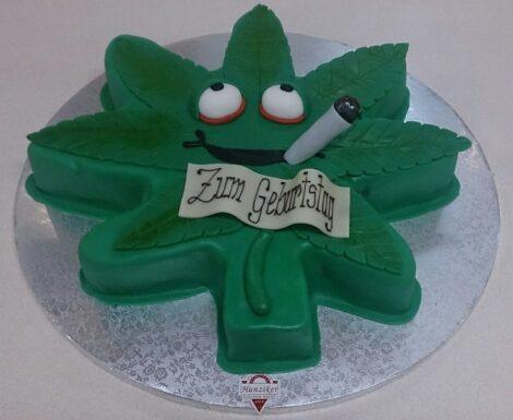 Cannabisblatt-Torte